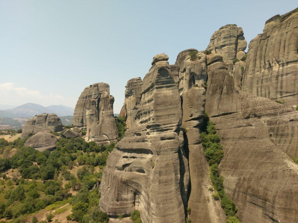 Einzigartig geformte Felsformationen in Meteora