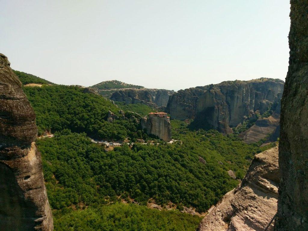 Blick auf das Rousánou Kloster
