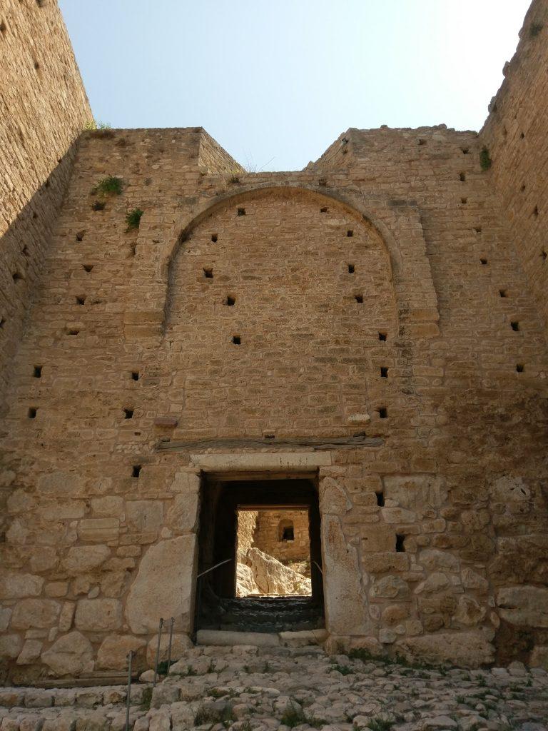 Das zweite Tor der Burg