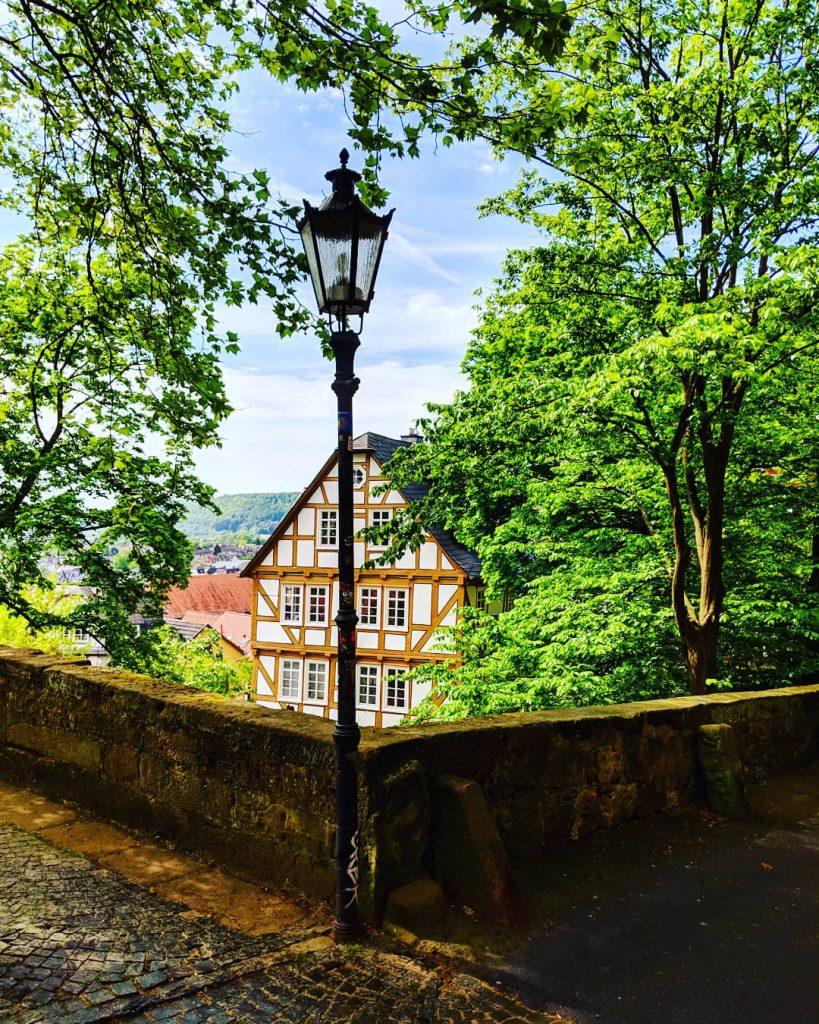 Spaziergang zum Schloss