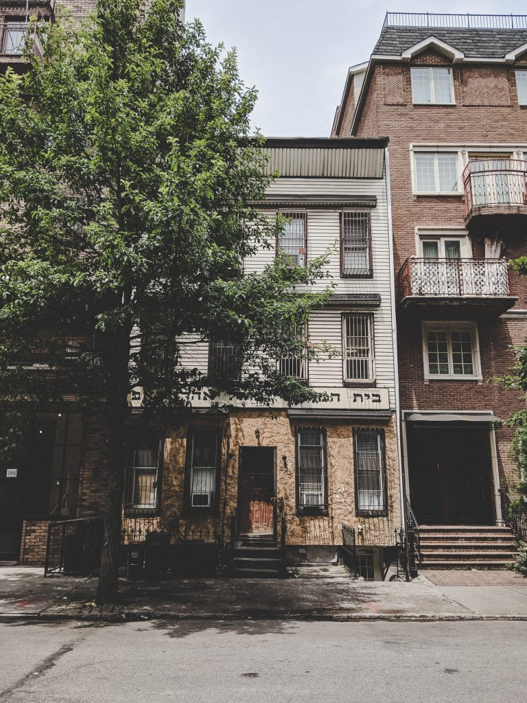 Mitten im Satmar-Viertel