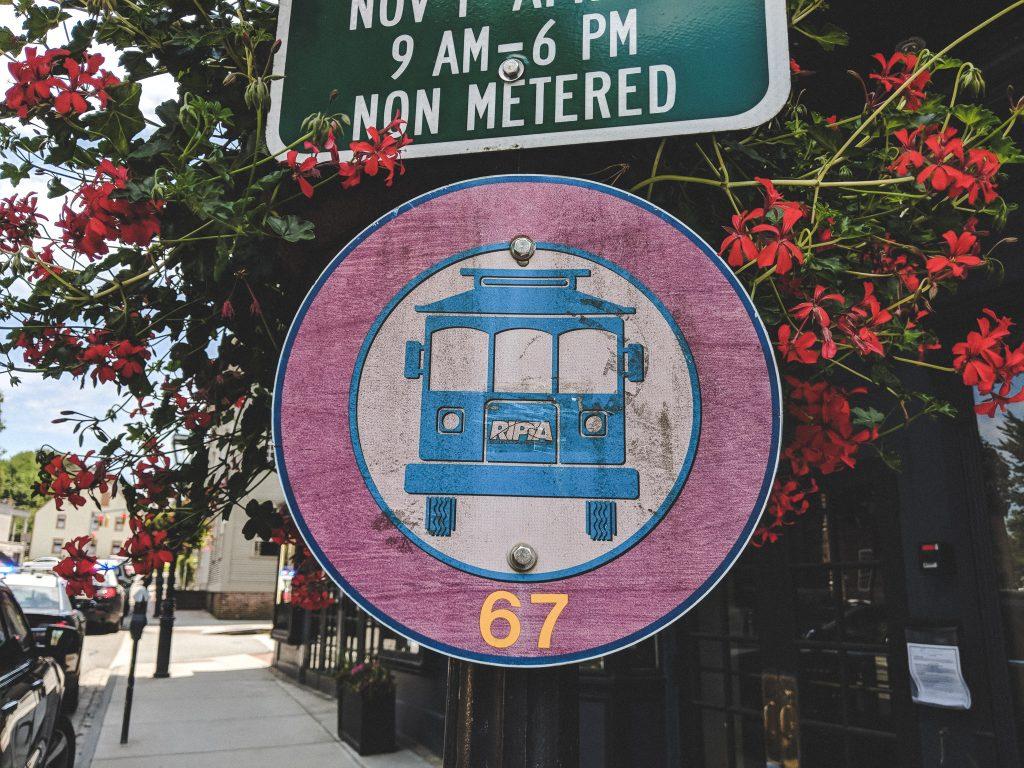 Mit dem Bus Nr. 67 kommt ihr bequem zu den schönen Häusern