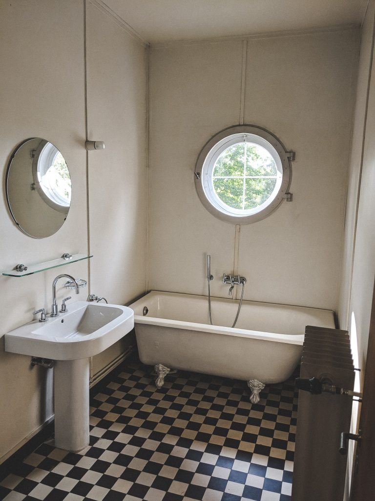 Das Bad in der unteren Etage