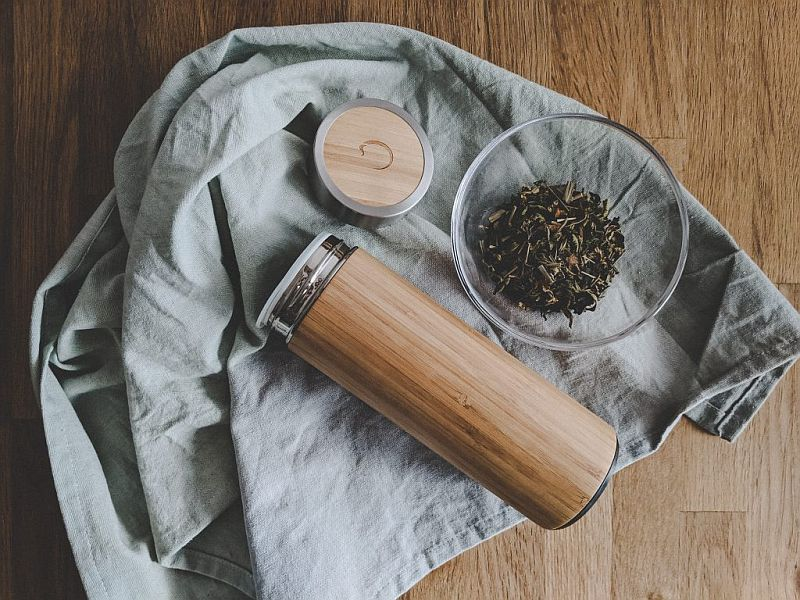 Themoskanne aus Bambus