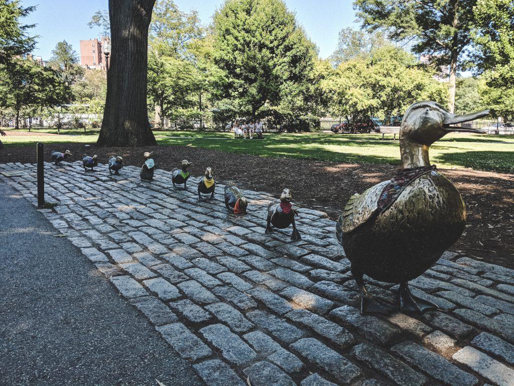 """Die Entenfamilie aus """"Make Way for Ducklings"""""""