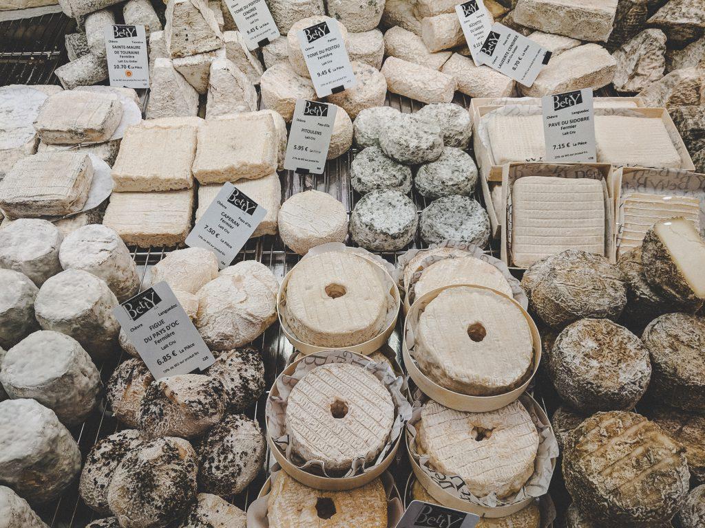Französischer Käse soweit das Auge reicht