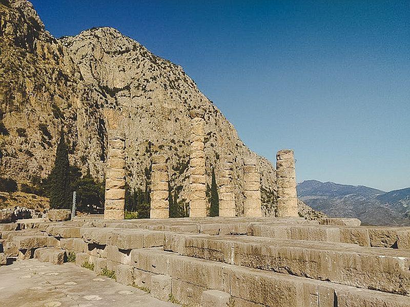 De Apollontempel in Delphi