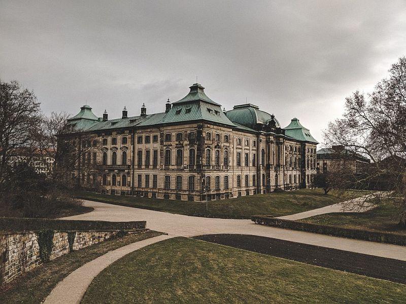 Seitenansicht des Japanischen Palais in Dresden