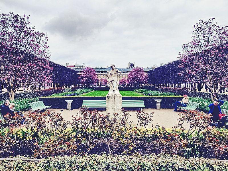 Im Jardin du Palais Royal