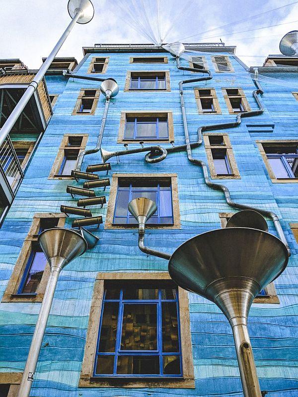 Das Regenhaus in den Kunsthofpassagen in Dresden