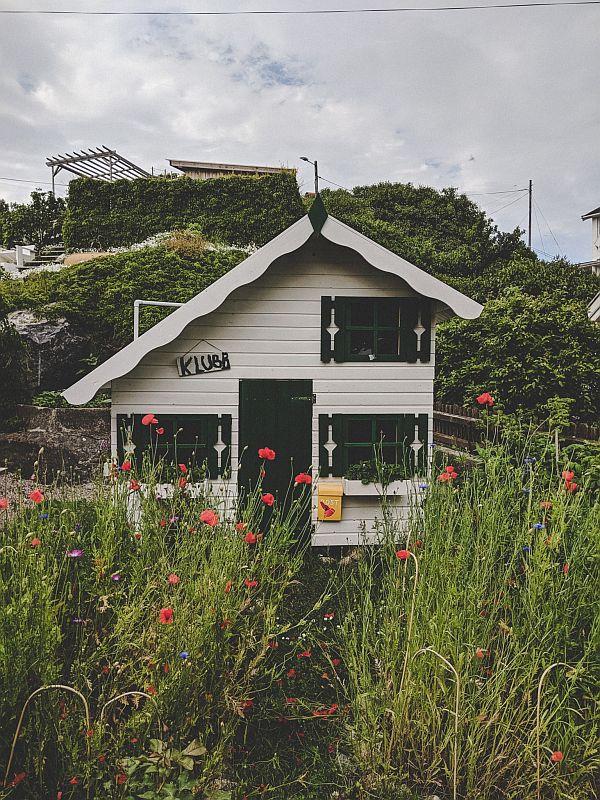 Kleines Holzhaus auf Donsö