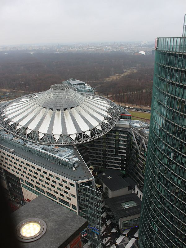 Berlin Highlights - Die Aussicht auf das Sony Center am Potsdamer Platz