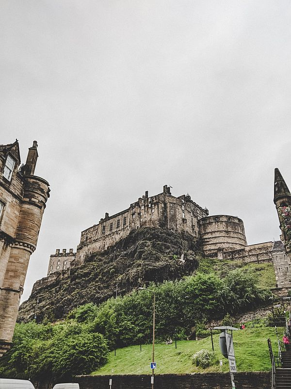 Edinburgh Highlights - das Edinburgh Castle auf dem Castle Hill