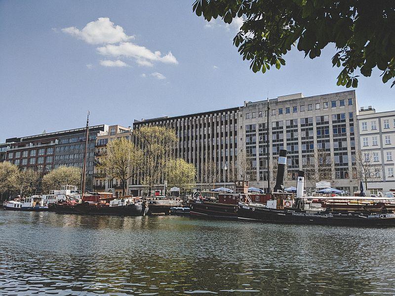 Der historische Hafen Berlin - Aussicht auf den vorderen Teil des Hafens