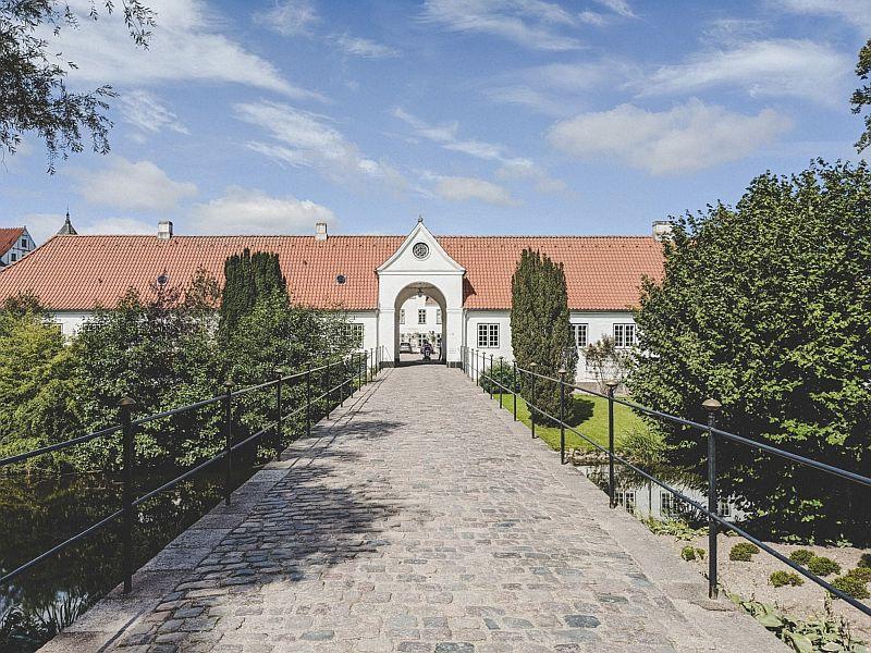 Der Eingang zum Wirtschaftshof