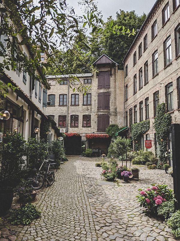 Flensburg Sehenswürdigkeiten - Der Blumenhof in der Roten Straße
