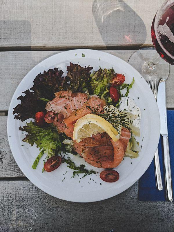 Boltenhagen Tipps - Frischer Lachs im Café Lindquist
