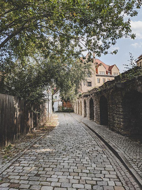 Entlang der alten Stadtmauer