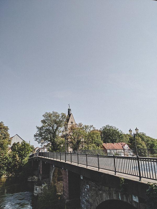 Merseburg Tipps - Wunderschöner Blick auf die Neumarktbrücke direkt an der Saale