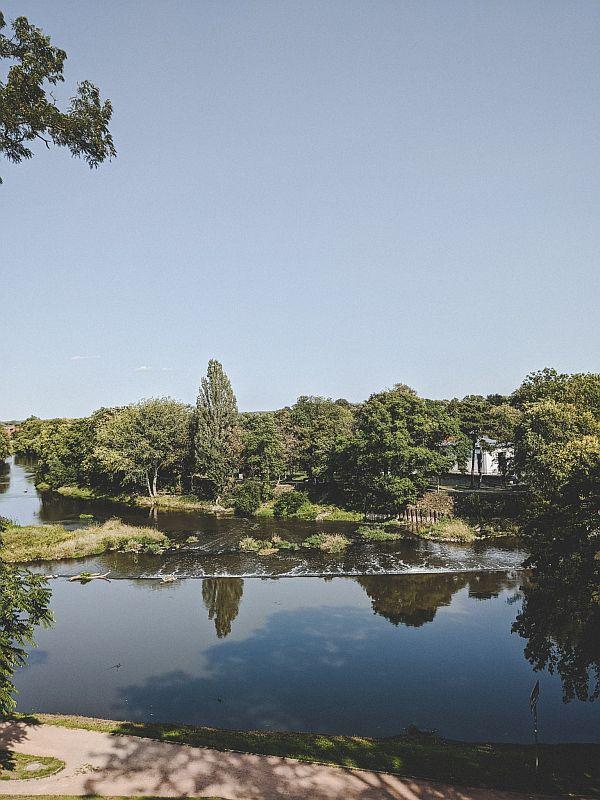 Blick auf den Gotthardteich direkt am Merseburger Schlosspark