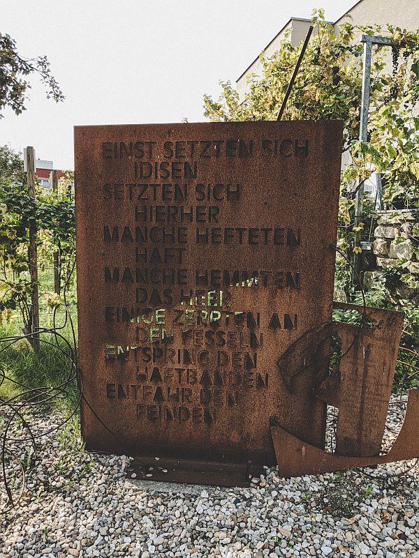 Merseburg Tipps - Die Merseburger Zaubersprüche in Metall