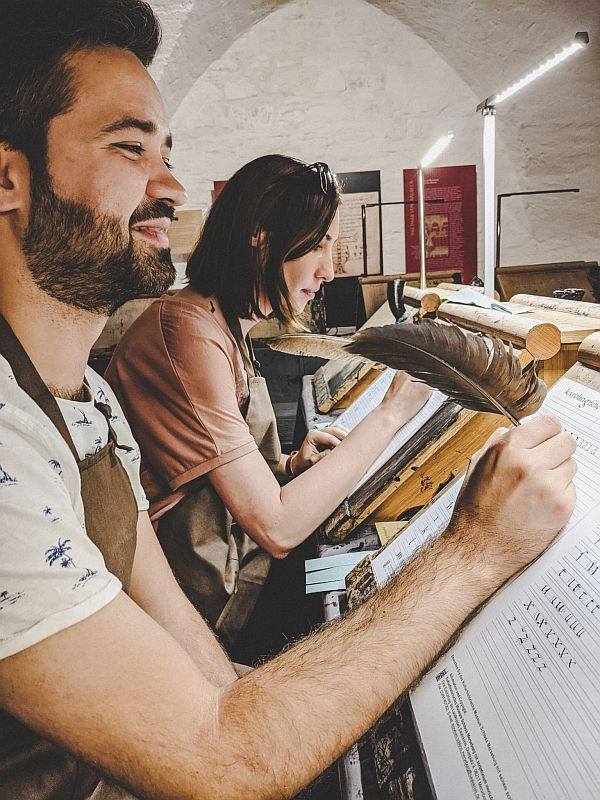 Merseburg Tipps - Wir lernen die Minuskelschrift