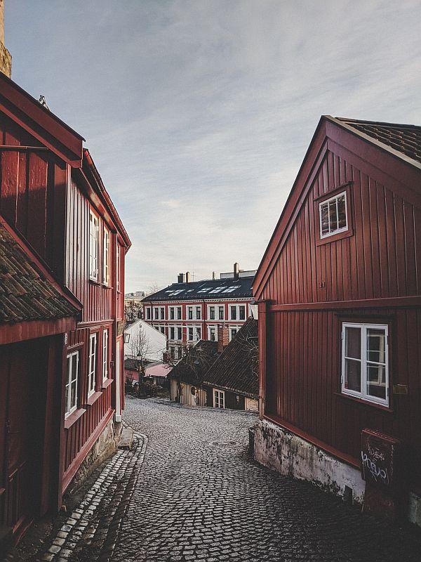 Rote Holzhäuser in Damstredet Oslo