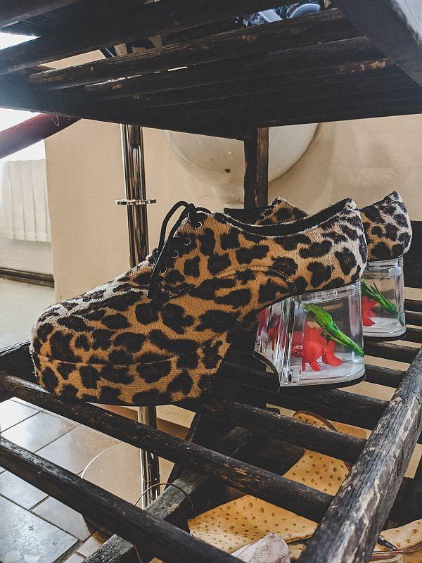 Interessante Schuhe aus dem Weißenfelser Schuhmuseum