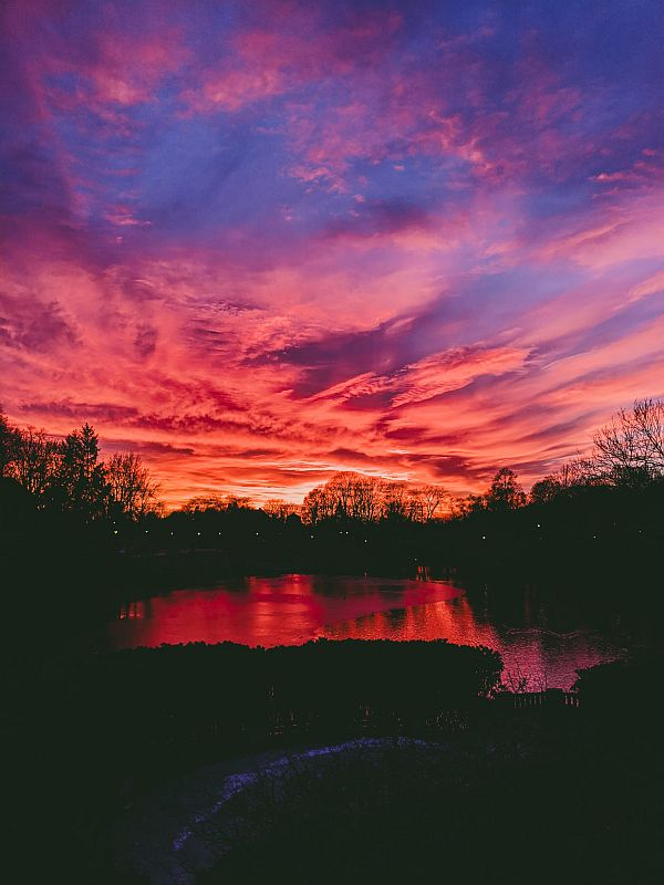Atemberaubender Sonnenuntergang im Frognerpark